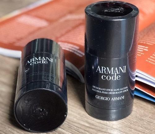 Lăn khử mùi Armani Code có ưu điểm gì nổi bật-2
