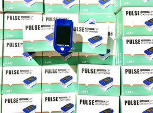 Máy đo nồng độ oxy Pulse Oximeter LK88 giá bao nhiêu?-1
