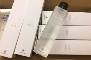 Review nước thần Son and Park Beauty Water-1