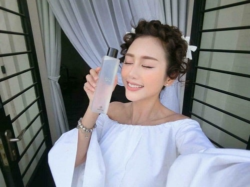 Review nước thần Son and Park Beauty Water-5